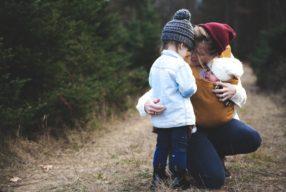 Oprește-te pentru copilul tău când plânge