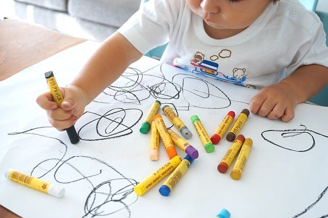 copil desen